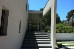 Large escalier